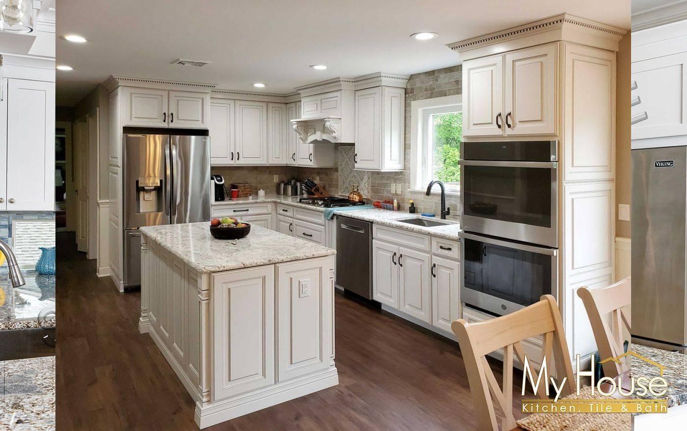 Kabinart Cabinets Hampton Raised Alabaster With Mocha Glaze